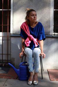 Cerita Fashion Blogger Tampil Stylish dengan Pungut Baju Bekas di Jalanan