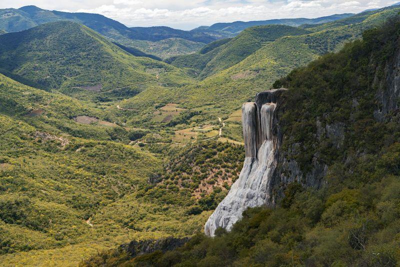 71 Gambar Air Terjun Dan Pegunungan