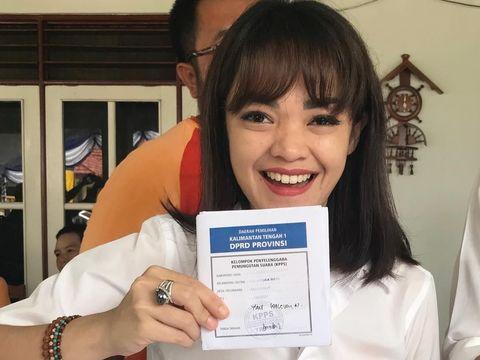 Anggota DPRD Cantik Buka Tempat Manikur Pedikur di Senayan City