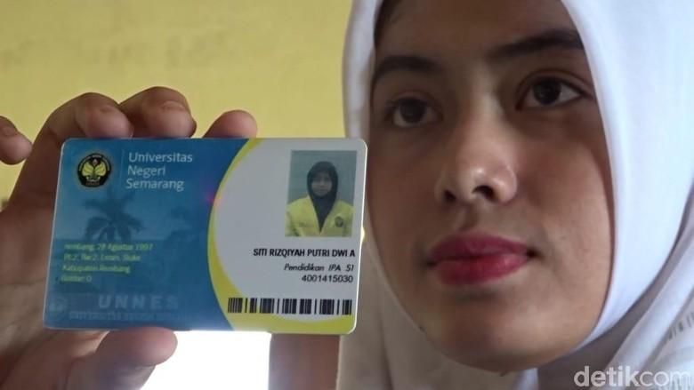 Berkenalan dengan Siti, Menjadi Anggota DPRD di Usia 22 Tahun