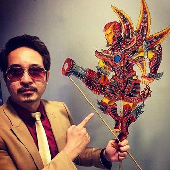 Seniman Malaysia Tintoy Chuo yang buat wayang kulit 'Avengers;