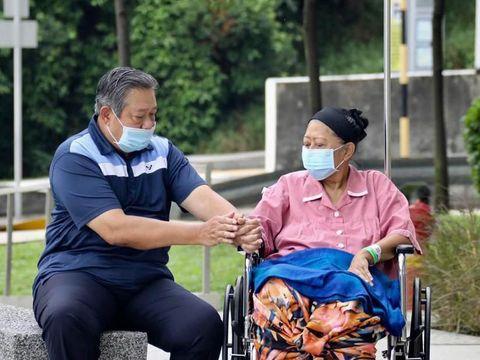 Jansen dan Ferdinand menuding buzzer 02 membully kondisi kesehatan Ani yang tengah dirawat di Singapura karena kanker darah/