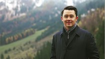 Intip Liburannya Asisten Pribadi Prabowo, Dhani Wiratama