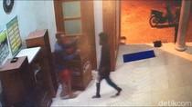 Aksi 5 Remaja Curi Kotak Amal Masjid Saat Ramadhan Terekam CCTV