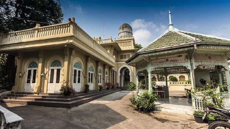 Menelusuri Cahaya Islam di Negeri Seribu Pagoda
