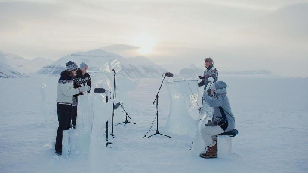 Konser Musik Digelar di Kutub Utara dengan Instrumen Es, Seperti Apa?
