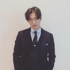 Baik Banget, Aktor Korea Ini Traktir Semua Kru Drama Liburan ke Hawaii