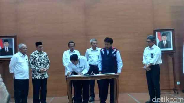 Penandatanganan Kontrak Renovasi Istiqlal