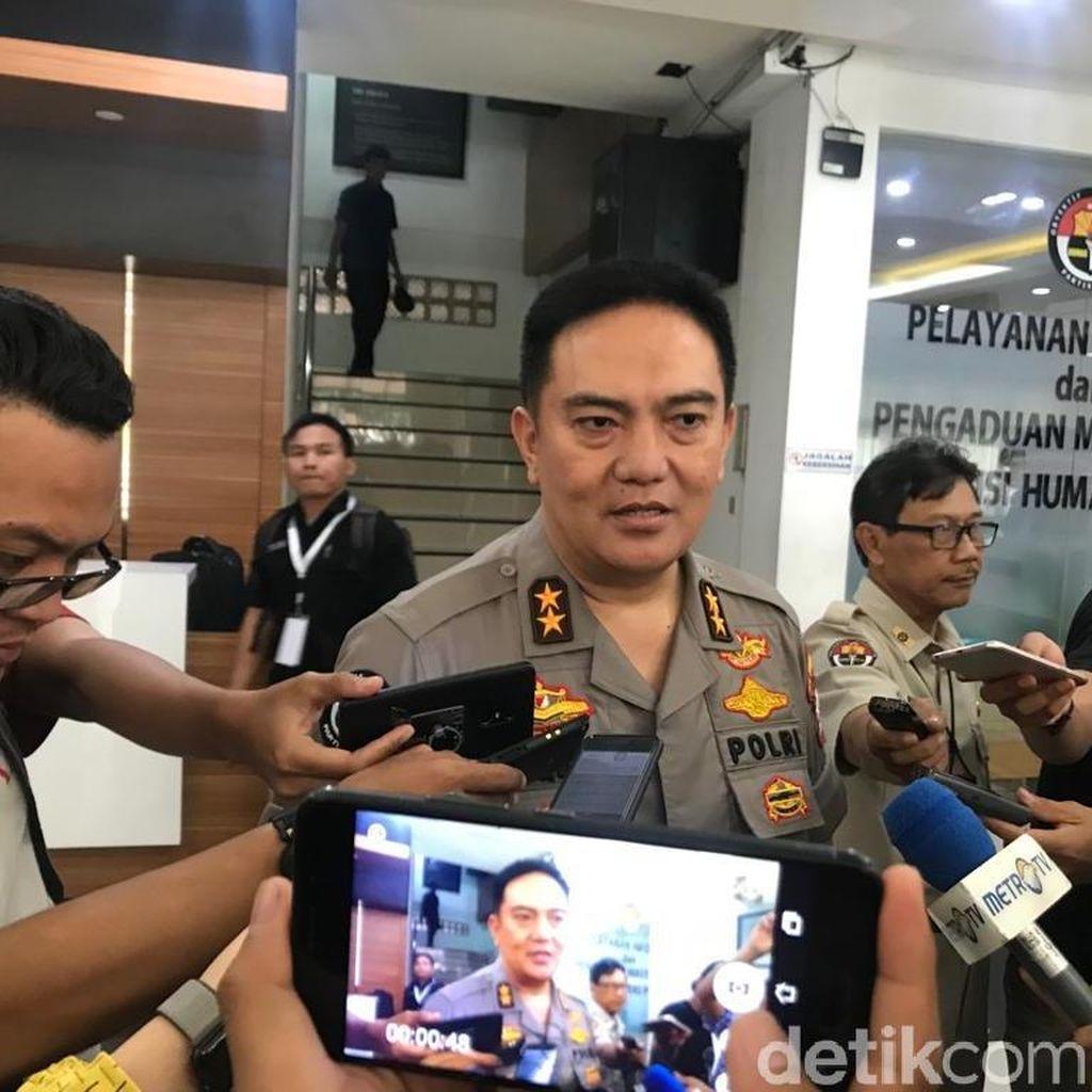 Polisi Temukan Ambulans Parpol Penuh Batu dan Alat untuk Massa 22 Mei