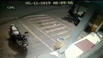 Polisi Kejar Pencuri Motor di Minimarket Bekasi yang Terekam CCTV