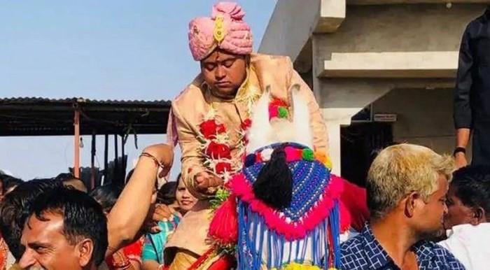 Ajay Barot menikah tanpa pengantin wanita. Foto: ist