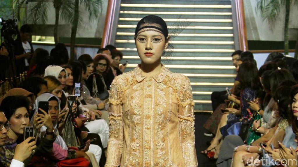 Koleksi Baju Lebaran Priyo Oktaviano Terinspirasi Gaya Busana Marie Antoinette