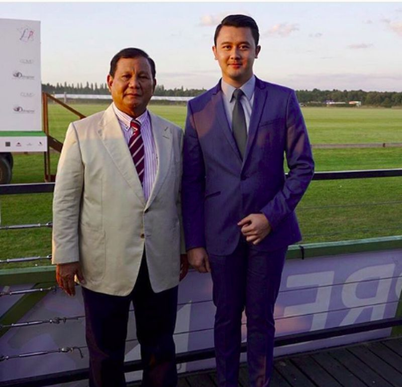 Karena berparas tampan, Dhani Wiratama sempat membuat netizen salah fokus saat masa kampanye. Di sela kesibukannya menemani segala kegiatan Prabowo, dia memanfaatkan waktu untuk jalan-jalan lho. (dhaniwirianata/Instagram)