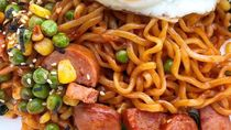 Tambah Nutrisi Mie Instan Untuk Sahur Dengan 10 Racikan Ini