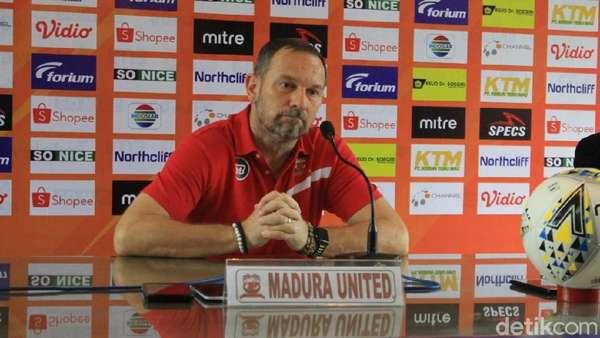 Madura United Kalah karena Gol Mudah