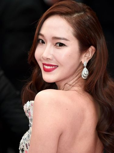Wajah Artis K-Pop Jessica Jung Berbeda, Netizen Kritik Kebanyakan Oplas