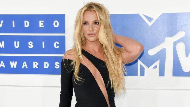 Britney Spears sempat mengklaim telah mengalahkan rekor Usain Bolt.