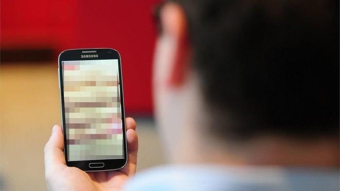 Berkampanye di situs porno: Beragam taktik para politisi merebut suara pemilih