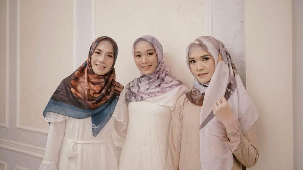Mantan Pebulutangkis Adriyanti Firdasari Luncurkan Brand Hijab