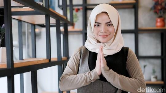 Ramadhan Berhijab, Kini Dinar Candy Seksi Lagi