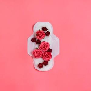 Jadi Kontroversi, Pantone Rilis Warna Baru Terinspirasi Darah Menstruasi