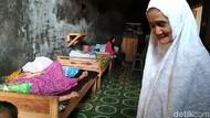 Kisah Handaya, Lansia yang Mengabdikan Diri Merawat Lansia