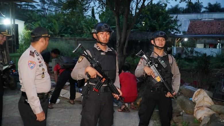 Densus 88 Tangkap Terduga Teroris Pengikut Jaringan ISIS di Bogor