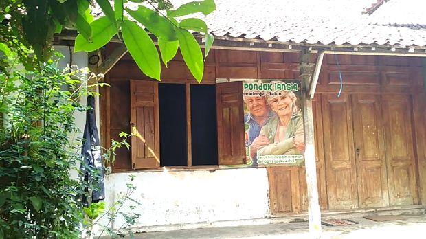 Pondok lansia milik Handaya di Blitar/