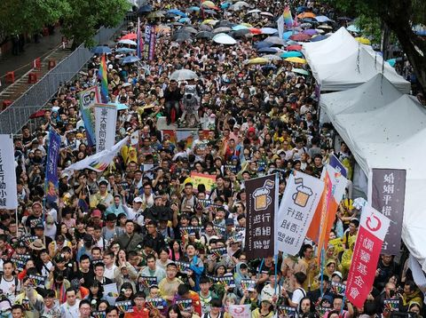 Pendukung pernikahan sejenis di Taiwan menyambut baik diloloskannya RUU ini