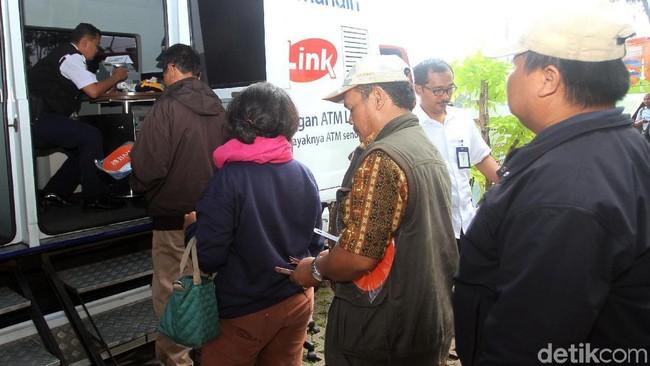 Suasana penukaran uang di IRTI Monas/Foto: Rifkianto Nugroho