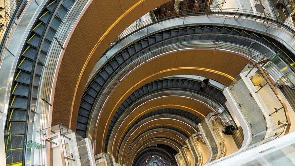 Potret Eskalator Paling Unik di Dunia