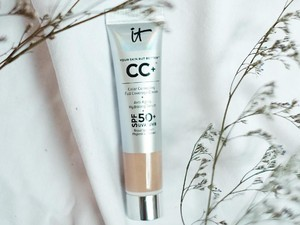 Review CC Cream dari IT Cosmetics, Foundation yang Mengandung Skin Care