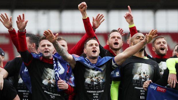 Sheffield United promosi ke Liga Primer dengan status runner-up Divisi Championship.