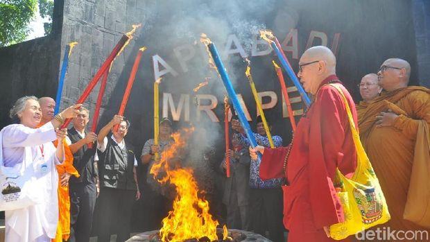 Pengambilan Api Abadi Mrapen Grobogan.