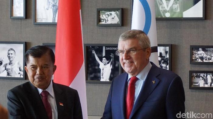 Wapres Jusuf Kalla bertemu dengan President of The International Olympic Committee (IOC) Thomas Bach di Lausanne, Swiss. (Ferdinan/detikcom)