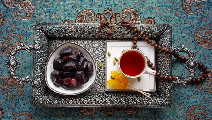 Iftar or Fatoor is the evening meal with which Muslims end their daily Ramadan fast at sunset