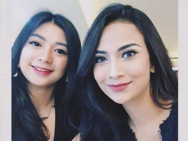 Foto: Vanessa Angel dan adiknya (Instagram Mayang Sary)