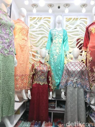 Tren baju Lebaran 2019 di Tanah Abang.