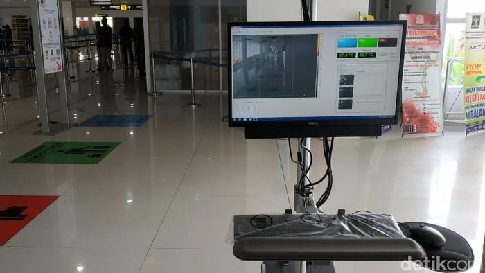 Thermal scanner bisa mencegah masuknya sejumlah penyakit, salah satunya cacar monyet. Foto: Suparno