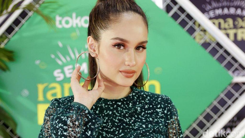Cinta Laura Sebut Puasa di Indonesia Lebih Mudah Ketimbang di AS