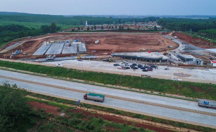 Begini penampakan terkini pembangunan rest area di kawasan Tol Jawa Tengah.