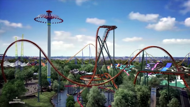 Roller coaster Yukon Striker di taman rekreasi Canada Wonderland (Canada Wondeland)