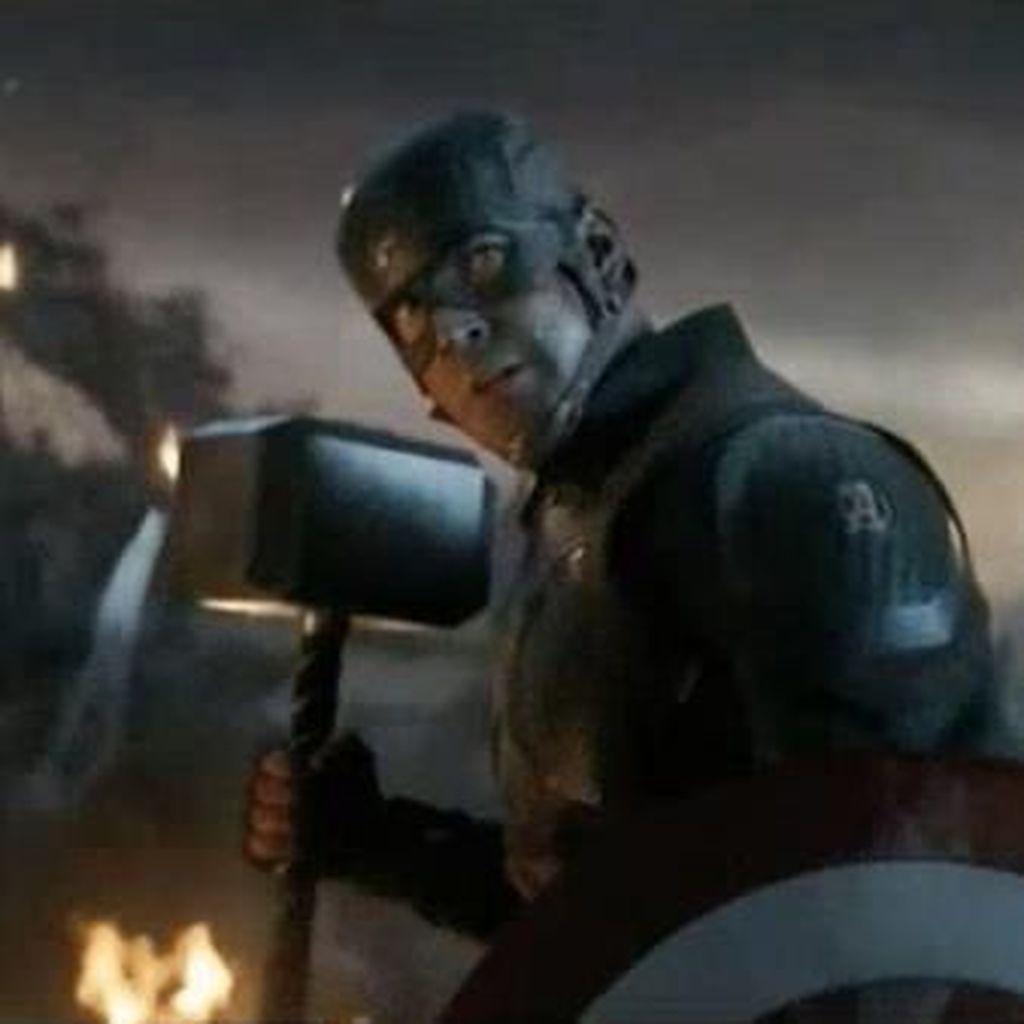 Pria Ini Lamar Kekasih Lewat Avengers: Endgame