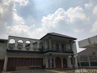 Rumah Mewah Rp 33 M Fuad Amin yang Dilelang KPK Tampak Tak Terurus