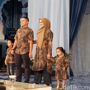 Baju Sarimbit Jadi Primadona Baju Lebaran di Tanah Abang dan Thamrin City
