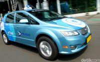 Mau Coba Taksi Listrik Bluebird? Ini Caranya
