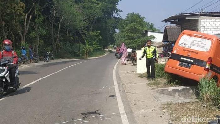 Lokasi kecelakaan mobil operasional PT POS Indonesia di Rembang. Foto: Dok Satlantas Polres Rembang