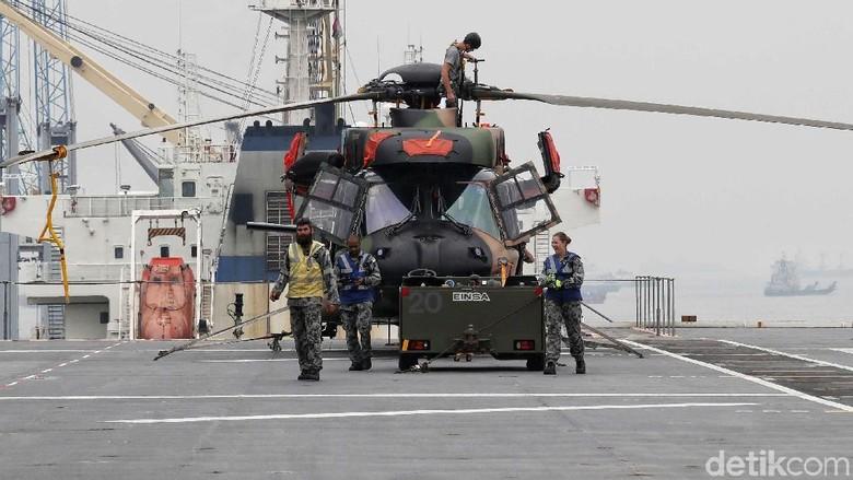 Mengintip Jeroan Kapal HMAS Canberra