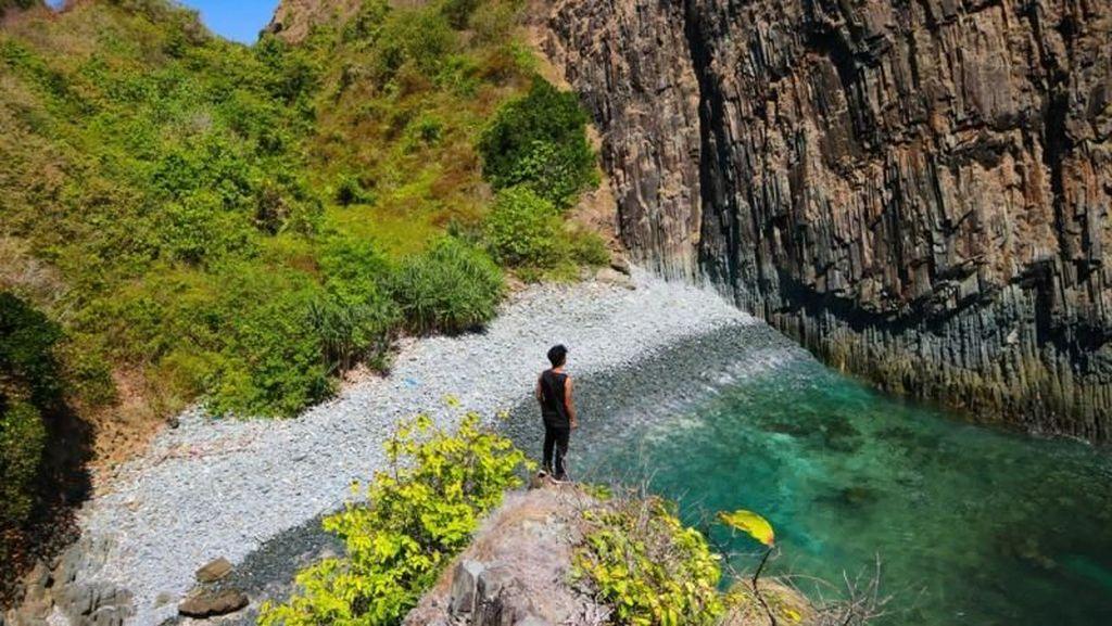 Lombok Semeti, Pantai Tersembunyi yang Memikat