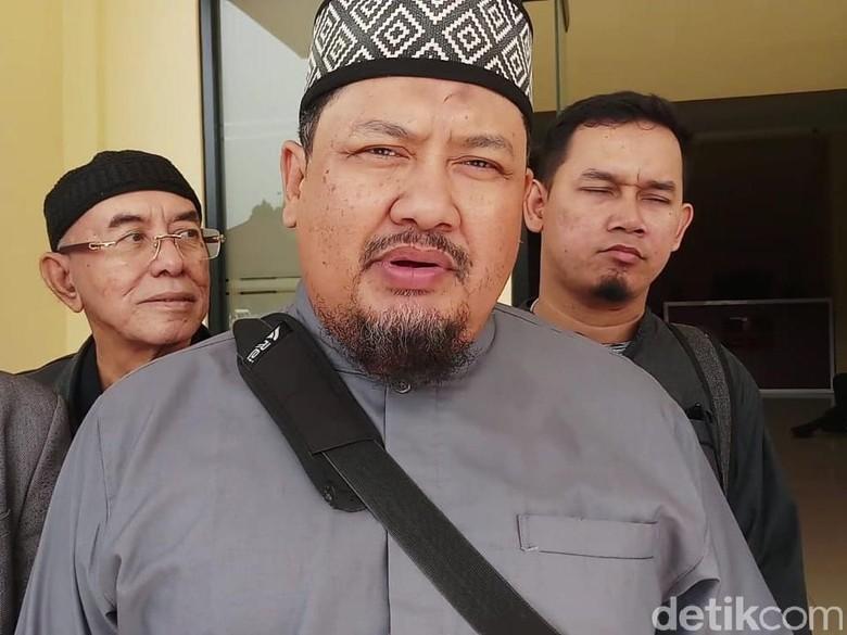 Penahanan Ditangguhkan, Ustaz Iyus Tinggalkan Polres Bogor Kota